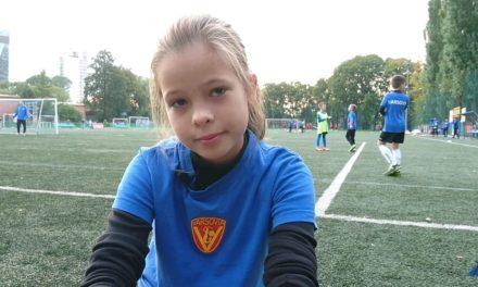 Weronika dziewczynka, która chce zostać piłkarzem